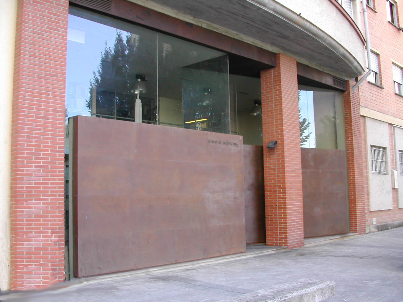 fachada en acero cortén en pamplona